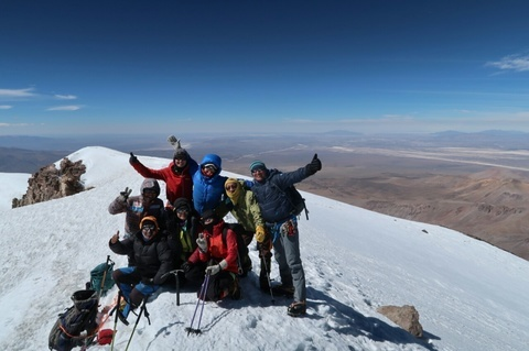 アコタンゴ6052m登頂