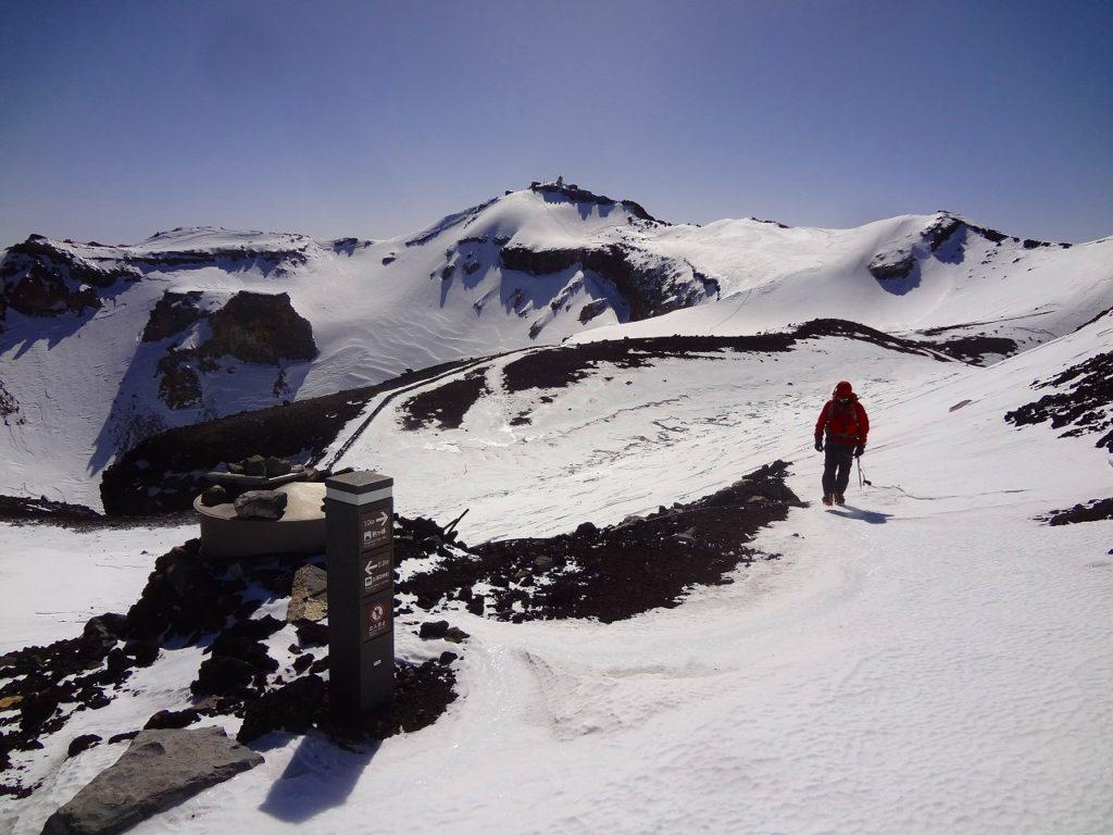 11月25日26日 富士山(3776m)登頂&雪山技術講習会2日間
