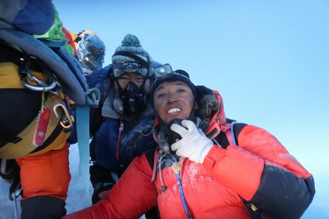 マナスル登山隊2018全員登頂しました。