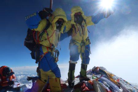 エベレスト登山隊2019 5月23日に登頂しました。