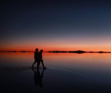 ウユニ塩湖の夕日