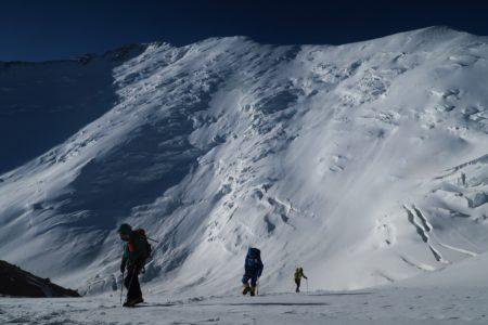 中央アジア キルギス パミール山脈 レーニン・ピーク7134m
