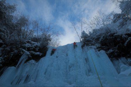新春日帰りマンツーマン アイスクライミング講習会@夏沢鉱泉アイスギャラリー