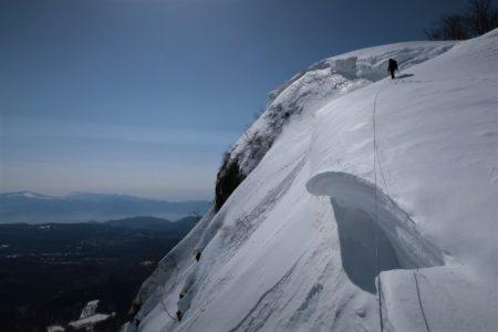 平日マンツーマン雪洞雪山登山ガイド@戸隠山西岳2053mP1稜