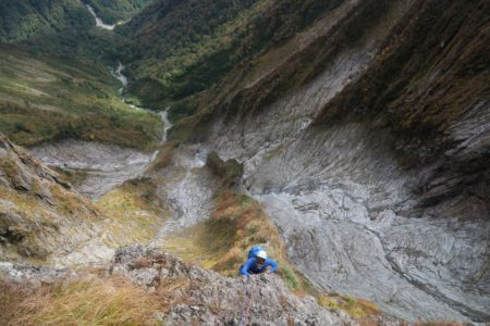 9月下旬~10月上旬のお勧めプラン 谷川岳一ノ倉沢南稜と子持山獅子岩2日間