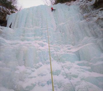 平日日帰りマンツーマン アイスクライミング講習会@八ヶ岳 南沢大滝